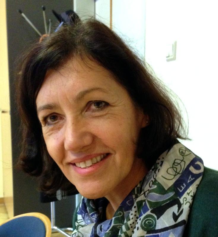 Frau Dr. Andrea Aichinger