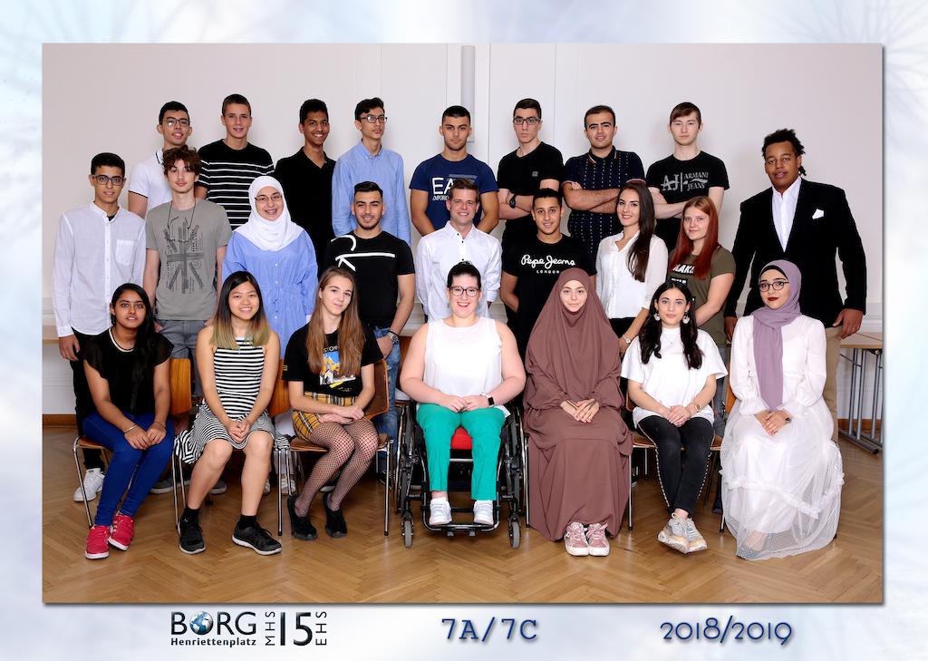 schuelerfoto-2018.19 - 21